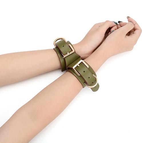 オリーブグリーン 革製連結手枷