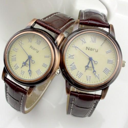 Retro simple couple watch
