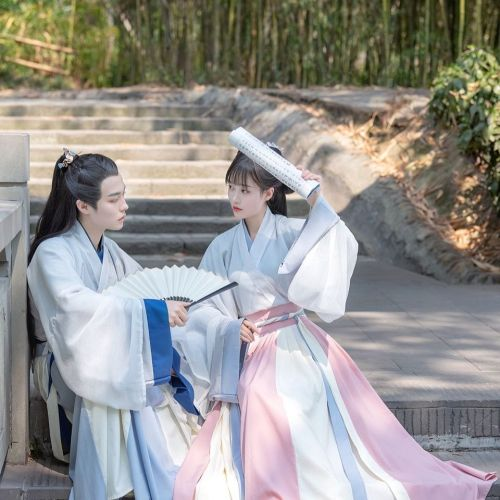 Simple and elegant couple Hanfu