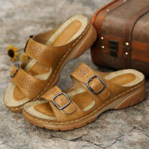 Woman Arizona Soft Footbed Oiled Nubuck Leather Comfy Sandals
