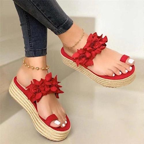 Women's Beautiful Flower Slip On Platform Sandals