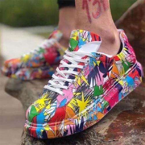 Fashionable Low-Cut Flat Heel Lace-Up Graffiti Pattern Sneakers