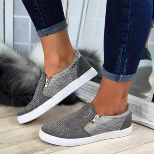 Super Cute Crystal Decorated Shining Flat Shoes For Women