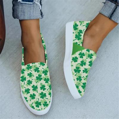 Casual Style Clover Low-Cut Flat Heel Canvas Loafers
