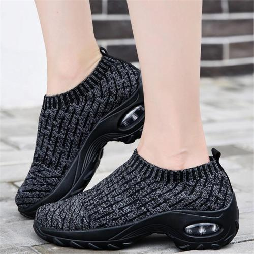 Casual Style Breathable Thick-Sole Slip-On Sneakers