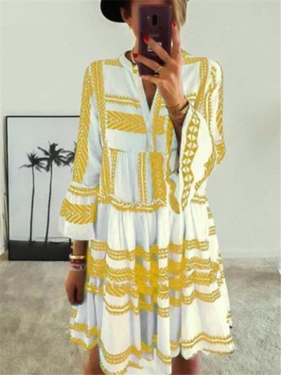Stylish A-Lined V Neck Geometric Pattern Flare Sleeve Pleated Dress
