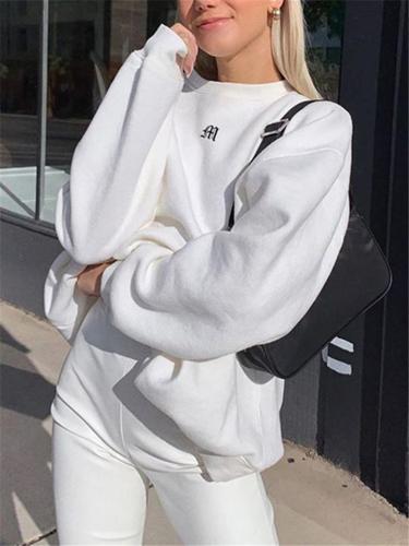 Ultra Comfortable Embroidery Round Neck Long Sleeve Sweatshirt