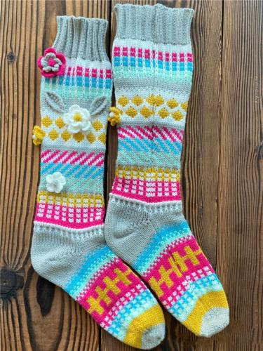 Pretty Winter Floral Pattern Multicolor Mid-Calf Knitted Socks