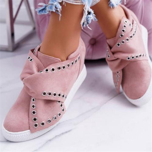 Stylish Casual Round Toe Rivet Loafers Flat Shoes