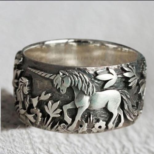 Unisex Fairyland Unicorn Carved Ring For Engagement