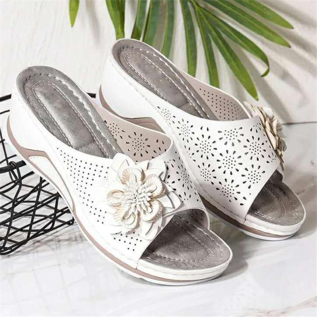 Stylish Wedge Heel Soft Footbed Floral Deco Cutout Non-Slip Slippers