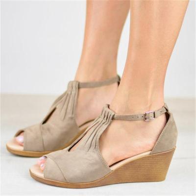 Casual Style Peep Toe Wedge Heel Buckle Up Sandals