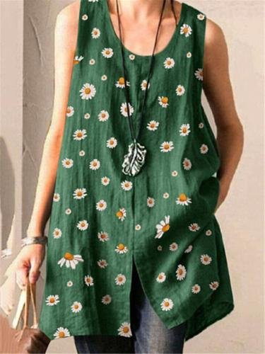 Relaxed Fit Scoop Neck Daisy Printed Sleeveless Front Slit Tops