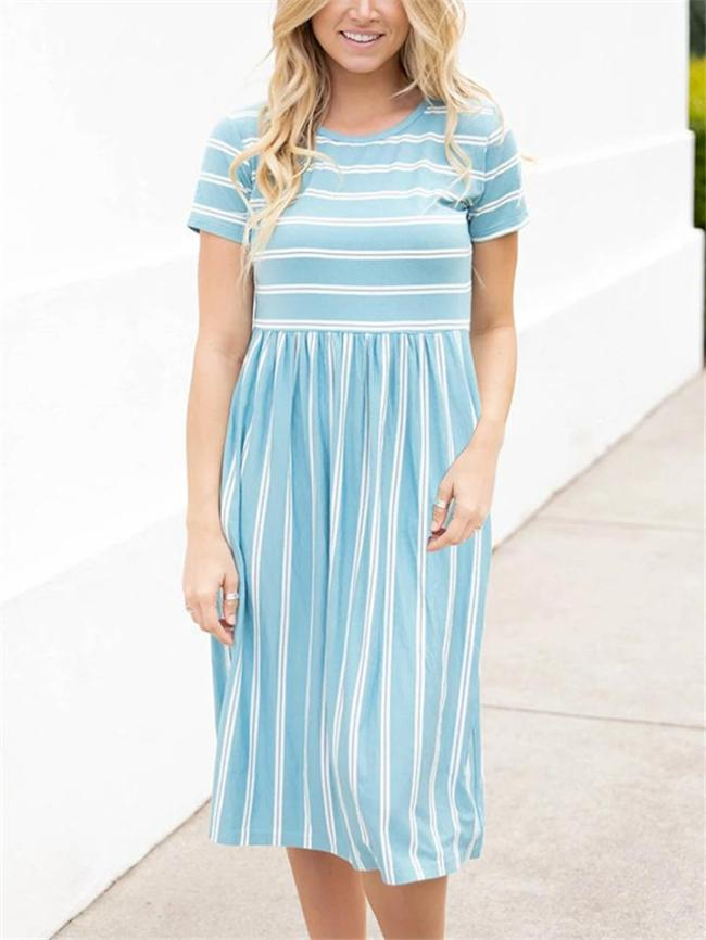Relaxed Fit Round Neck Short Sleeve Striped Pleated Midi Dress