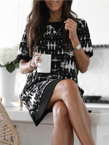 Relaxed Fit Round Neck Printed Short Sleeve Shift Dress