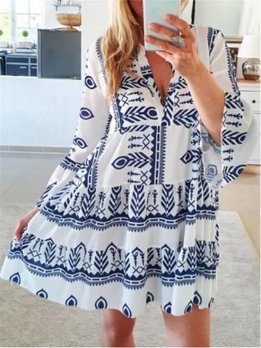 Stylish V Neck Geometric Pattern Long Sleeve Flare Pleated Dress