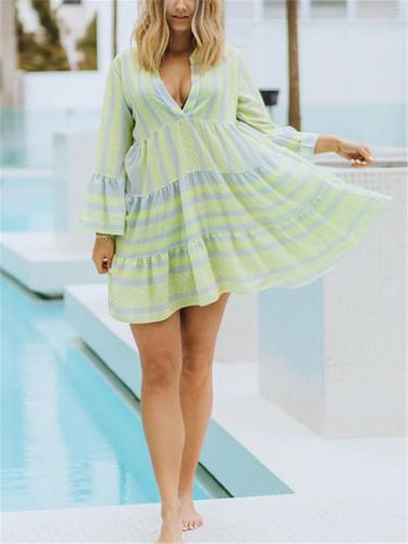 Loose Fit V Neck Geometric Pattern Long Sleeve Pleated Midi Dress