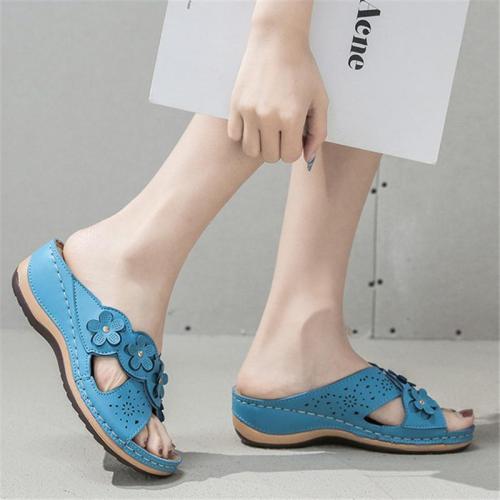 On-Trend Crisscross Strap Flower Deco Cutout  Peep-Toe Wedge Heel Slippers