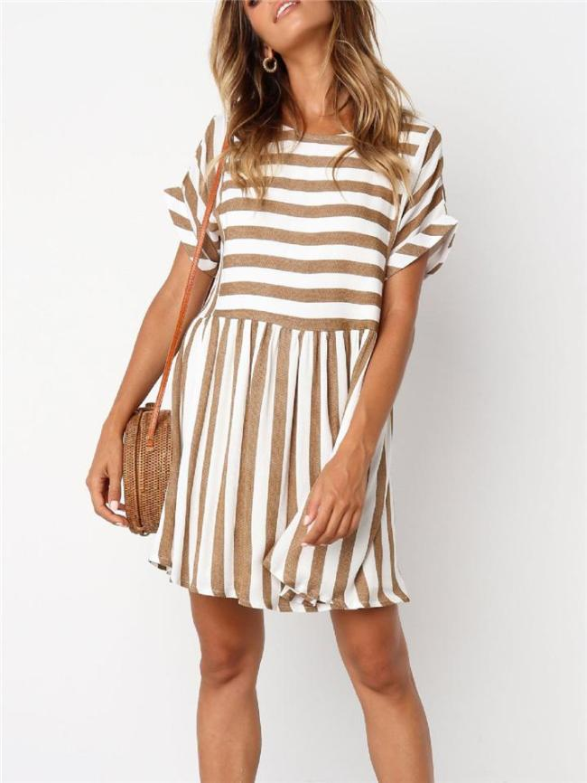 Relaxed Fit Back Slit Short Sleeve Striped Flare Midi Dress
