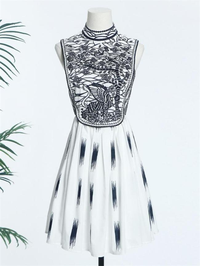 1950S Vintage Vogue Embroidered A-Line Pleated Dress