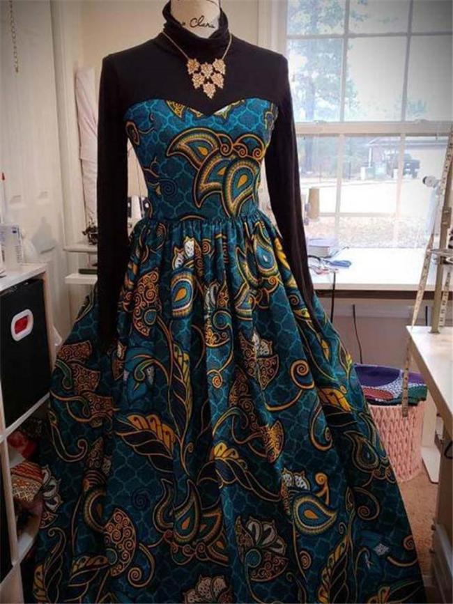 Flattering Sweetheart Neckline Strapless Fitted Waist Dress for Evening