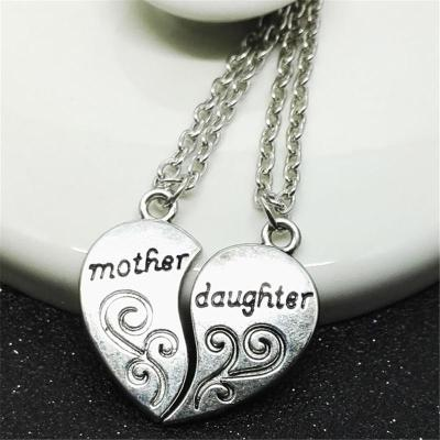 Mother's Day Gift Lettering Engraved Pendant Chain Necklace Set