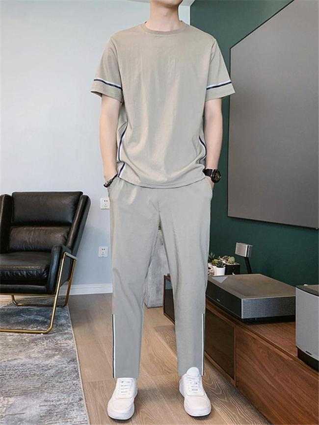 Casual Style Crew Neck Striped Detailing 2 Piece Set T-Shirt + Tapered Fit Pocket Pants