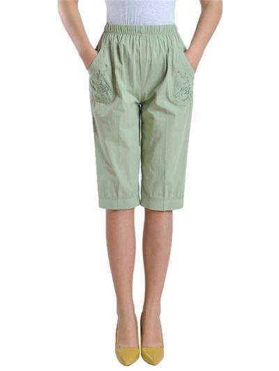 Laid-Back Elastic Waistband Floral Embroidery Straight-Leg Pocket Bermuda Pants