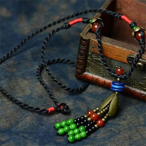 Vintage Handmade Contrast Color Beaded Pendant Necklace