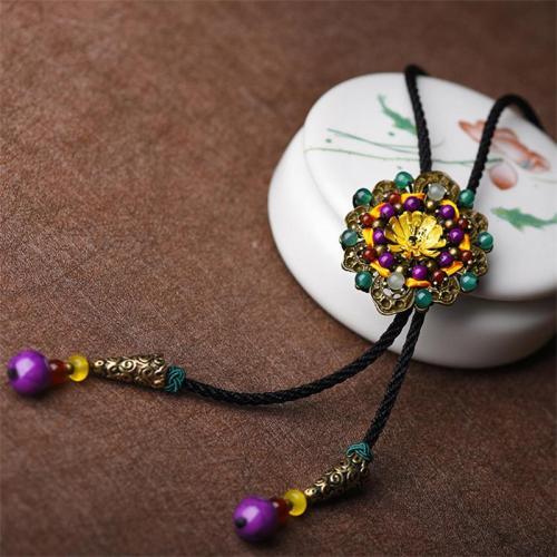 Fashion Retro Flower Shape Elegant Necklace Creative Brooch