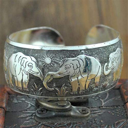 Retro Carved Patterns Simple Style Bangle