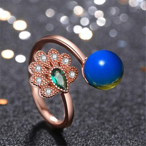 Elegant Casual Open Design Peacock Shape Amber Inlaid Finger Ring
