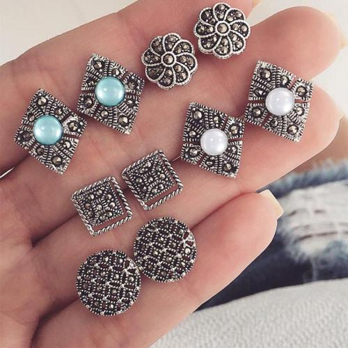 Women's Retro Metal Carved Earrings Set
