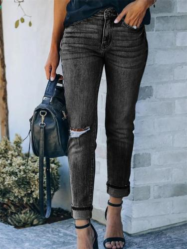 Classic Ripped Frayed Stretch Mid-Rise Jeans
