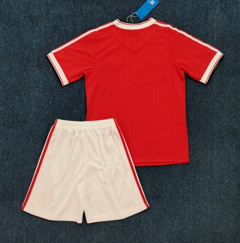 Manchester United Retro Kids Red Jersey