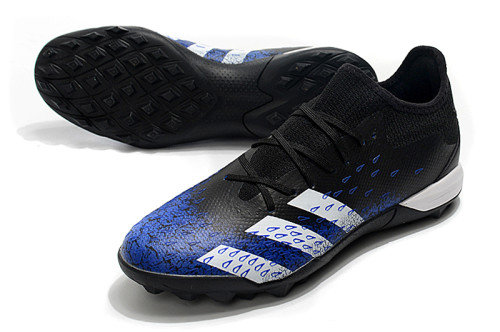PREDATOR FREAK .3 LOW TF Soccer Shoes