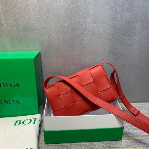 BOTTEGA VENETAカセット