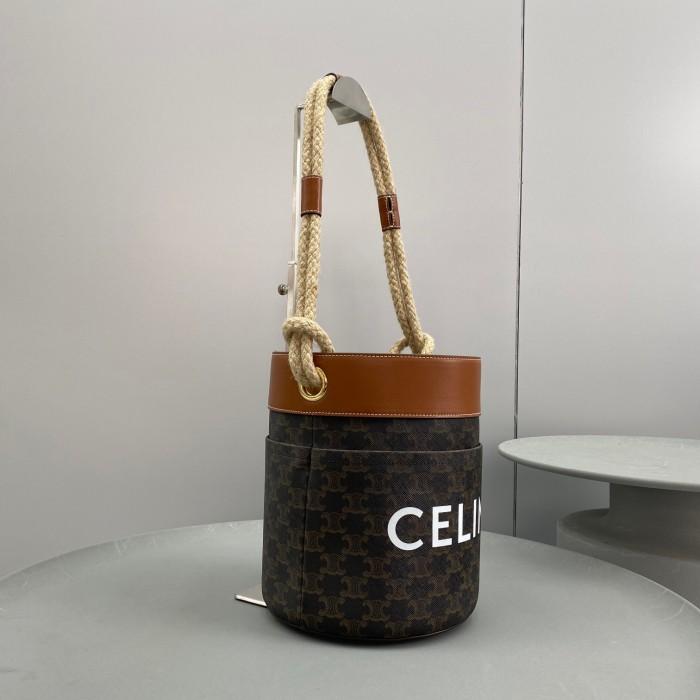 CELINEトリオンフ キャンバス バケットコード タン