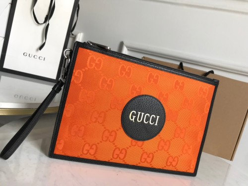 Gucci Off The Grid ポーチ