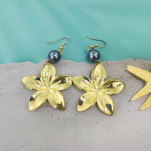Hawaiian plumeria pearl earrings
