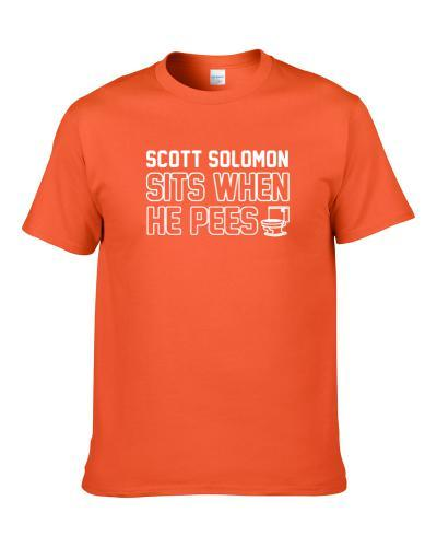 Scott Solomon Sits When He Pees Cleveland Football Player Funny Sports S-3XL Shirt