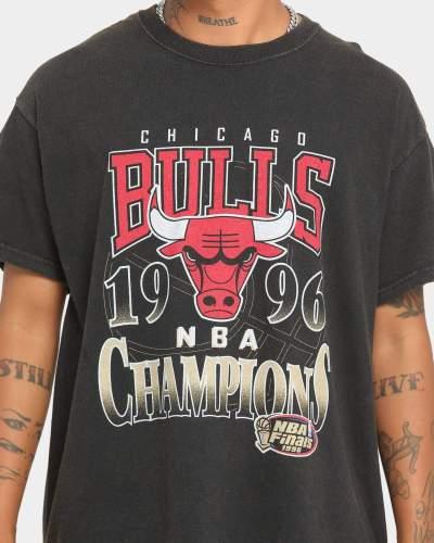 Chicago Bulls 1996 Unisex Oversized Logo Vintage T-Shirt (#U88)