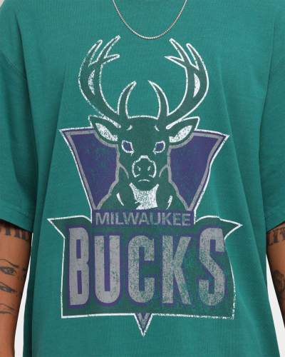 Milwaukee Bucks Unisex Oversized Logo Vintage T-Shirt (#U83)