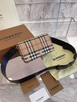 Burberry trumpet Horseferry canvas postman bag