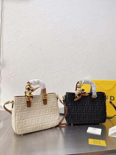 Fendi vintage handbag 29*22
