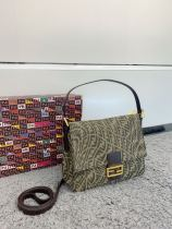 Fendi  celebrity  baguette bag  Vintage 28*21 【77501】