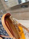 Daphne cowboy retro-postman bag Presbyterian patchwork leather clamshell one shoulder slung hand bag 25cm  20cm