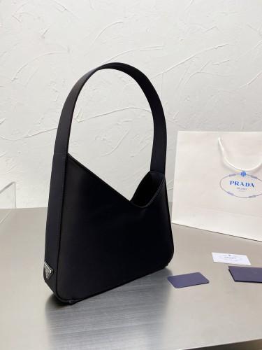 Prada 21SS show the most popular single item!