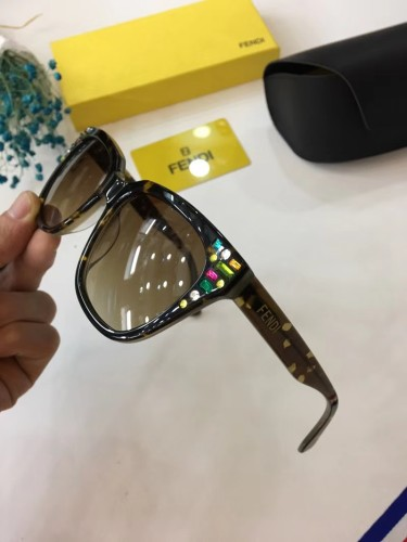 Online store Fake FENDI Sunglasses Online SF073
