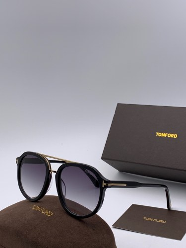 Wholesale Replica TOM FORD Sunglasses FT0674 Online STF186